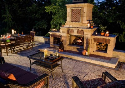 OutdoorLiving_Fireplace_Stonehenge_Copthorne_Paver