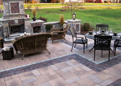 OutdoorLiving_Fireplace_Umbriano_Paver